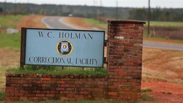 Guards, inmates both on strike in US jail in Alabama