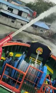 6 Ban Dump Truck Terbakar di Kade 1000 Terminal 3 Pelabuhan Tanjung Priok