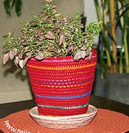 http://www.tejiendoperu.com/crochet/cobertor-para-macetero/