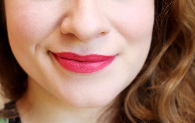 rouge à lèvres matte rose printemps