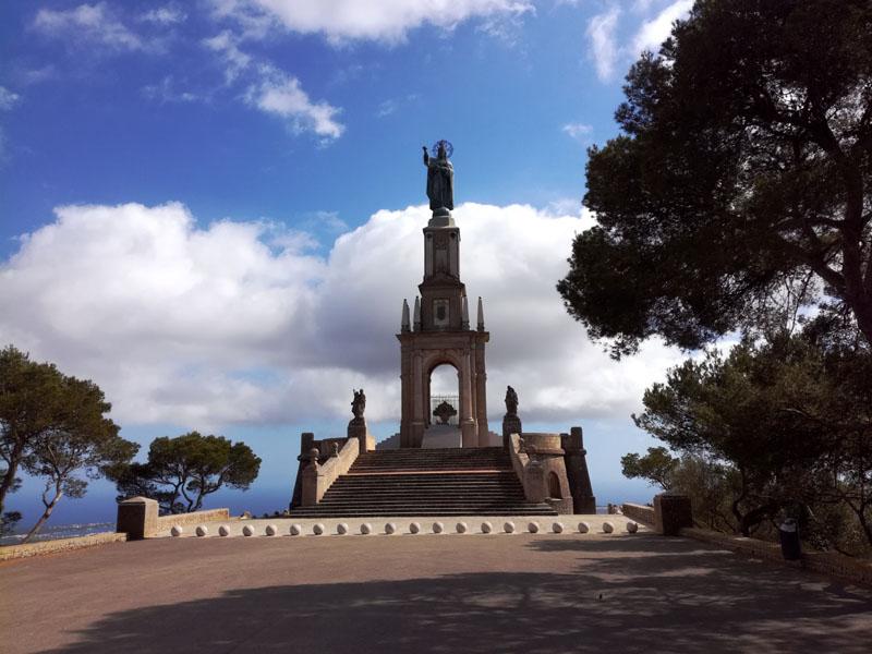 In cima al santuari de Sant Salvador