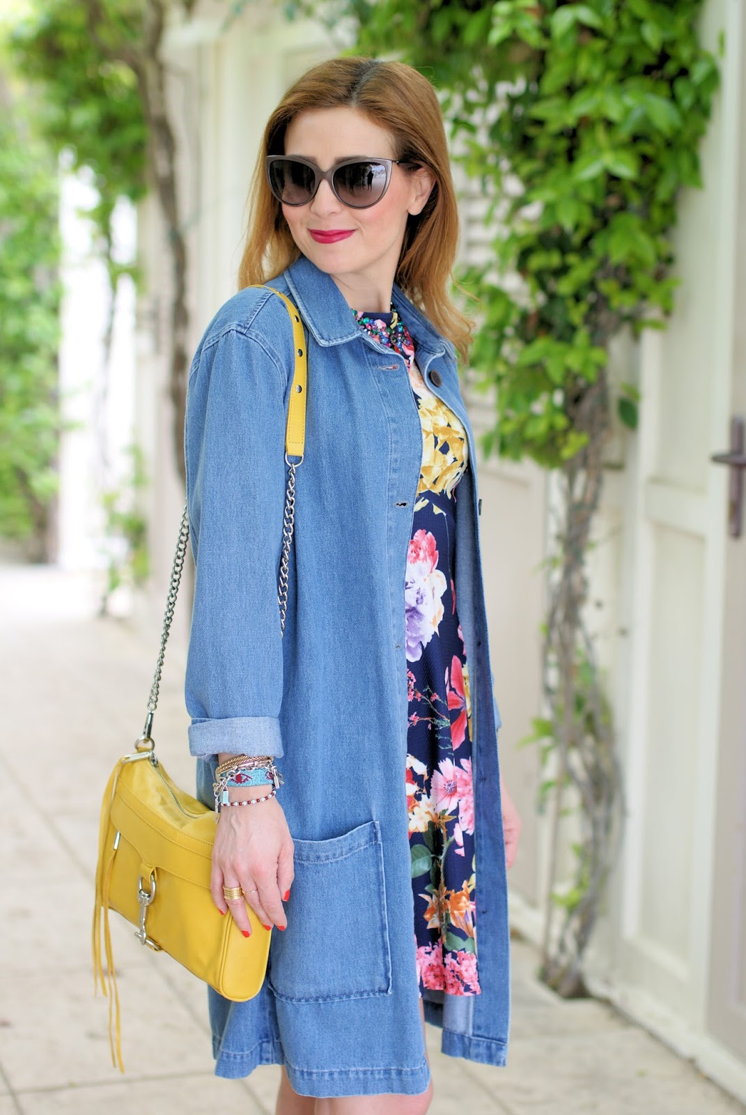 Zara jeans coat and asos floral dress on Fashion and Cookies fashion blog, fashion blogger style