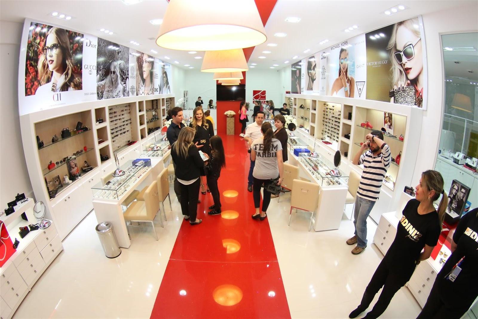 ec777c626c287 Óticas Diniz investe no conceito prime para atrair público exigente para o  interior de sua lojas em shopping center