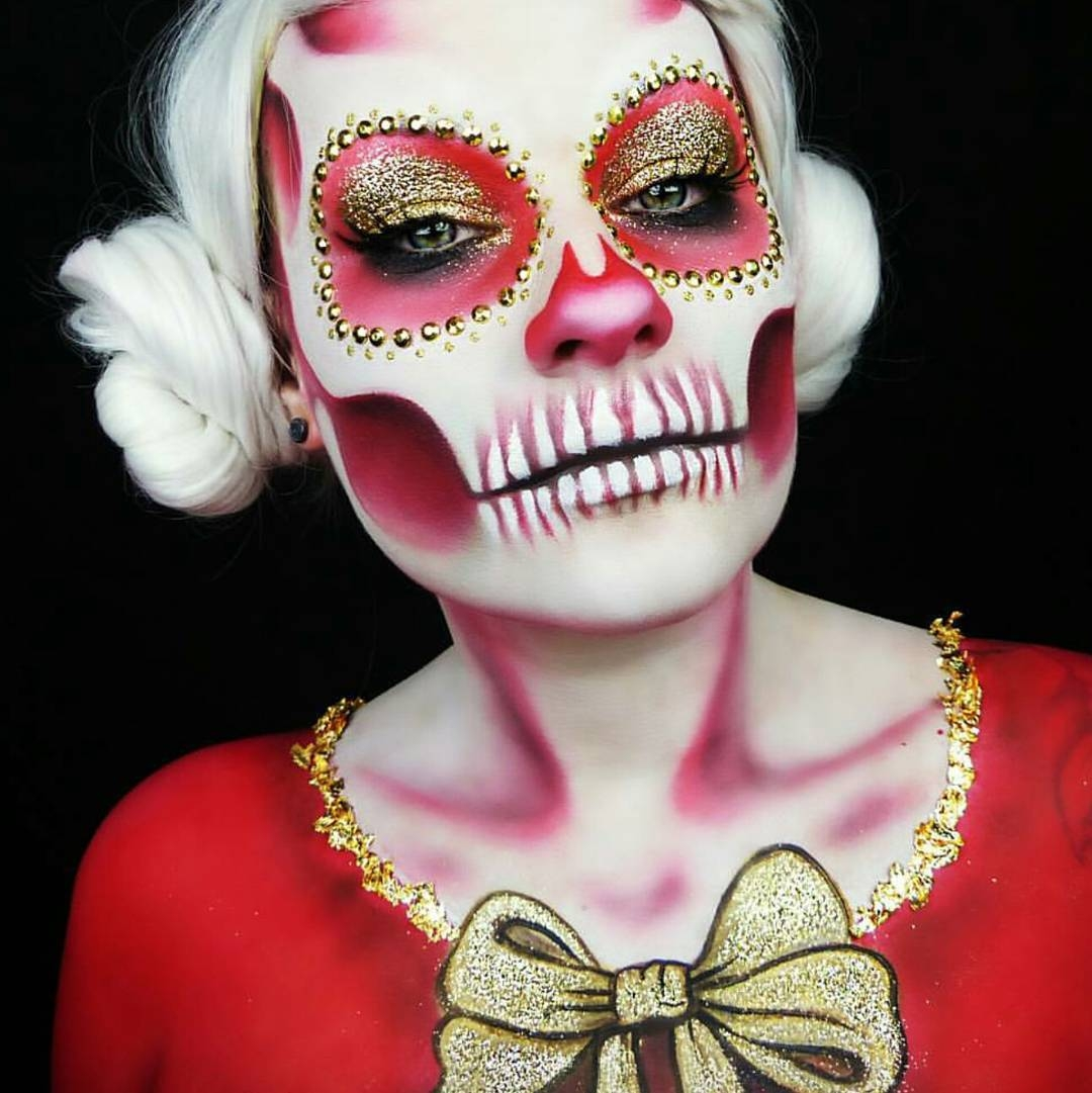 04-Fire-Christmas-Sugar-Skull-Lola-von-Esche-Body-Painting-Transformations-with-Makeup-Applications-www-designstack-co