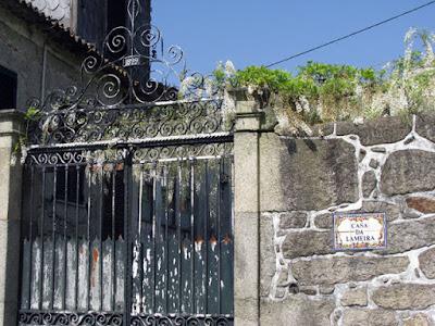 portão de ferro desgastado