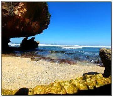 Foto pantai Nglolang