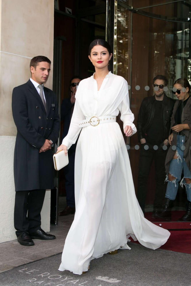 Best of Selena Gomez's Paris Fashion Looks