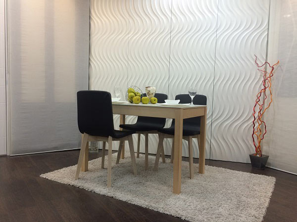 Mesa de comedor o cocina de diseño nórdico Mirka con patas de madera