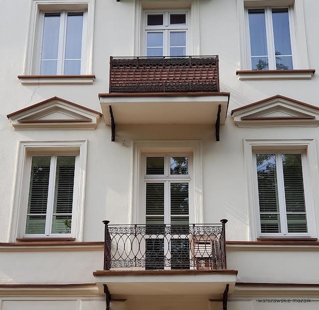 Warszawa Warsaw kamienica ulica warszawskie ulice architektura architecture Śródmieście balkon