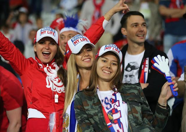 صور مشجعات روسيا المثيرات