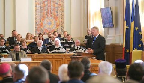 Klaus Iohannis államfővel ünnepelték Kolozsváron a román nyelvű egyetemi oktatás centenáriumát