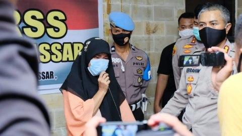 Wanita di Makassar Pembanting Al Quran Minta Maaf: Kesal Tetangganya Judi Domino