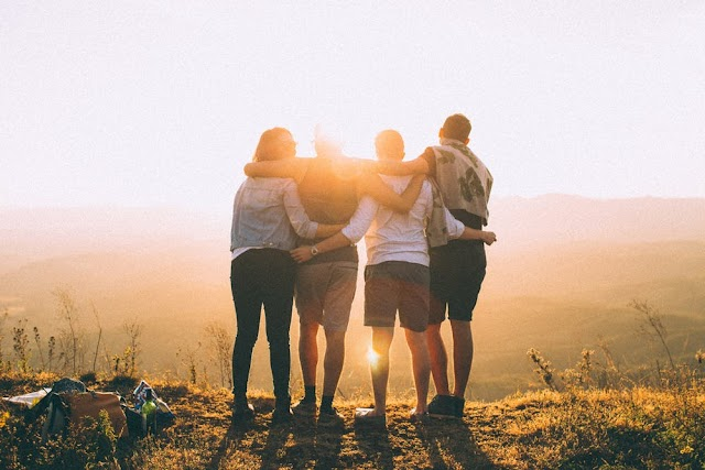 5 Reasons Why You Should Choose Your Friends Wisely