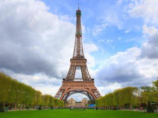 pengalaman-wisata-ke-paris.jpg