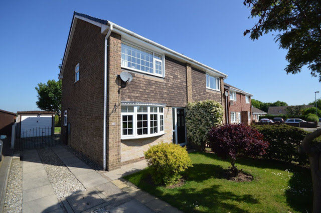 This Is Wakefield Property - 3 bed semi-detached house for sale Hollingthorpe Grove, Hall Green, Wakefield WF4
