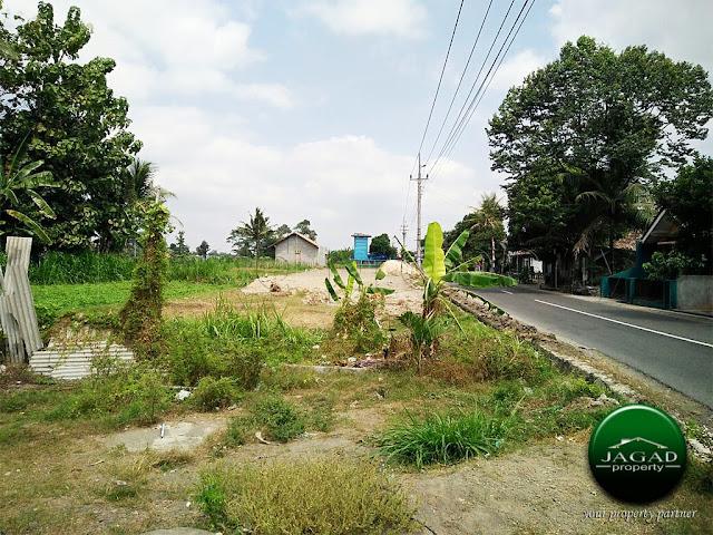 Tanah hook utara Candi Prambanan