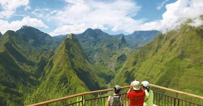 Paysage montagneux de Mafate à la Réunion.