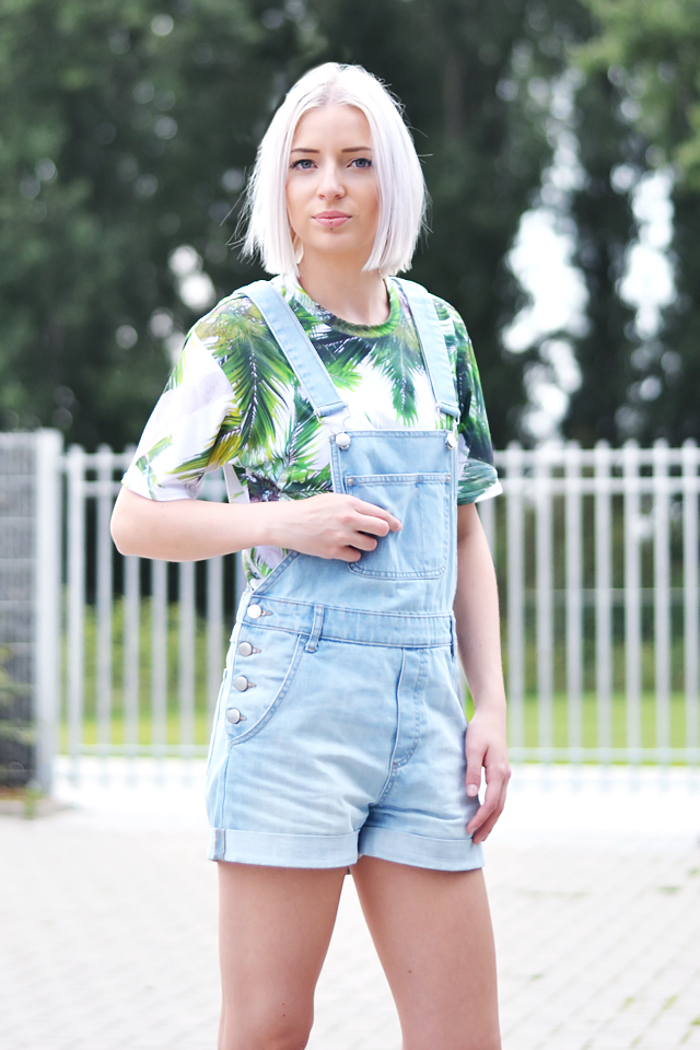 Outfit, ootd, belgian, fashion blogger, dungarees, denim, palm trees, t-shirt, mr gugu, mr gugu miss go, nike dunk sky hi, wedge sneakers, summer outfit, 2015, street style