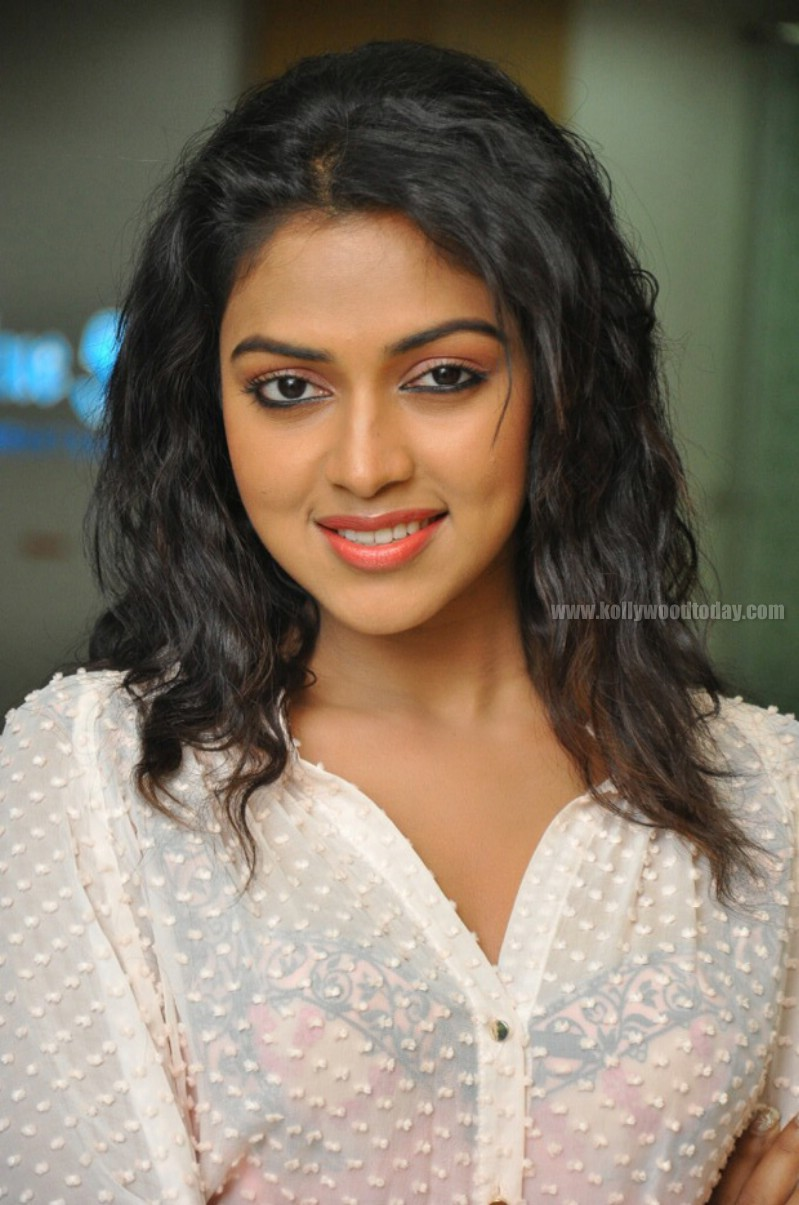 Hot  Sexy Indian Actress Photo Gallery Amala Paul Hot -3881