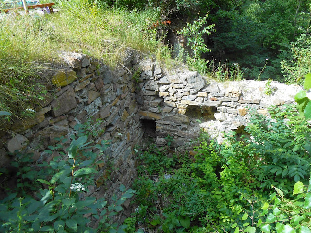 Старинная плотина на Дехановом пруду