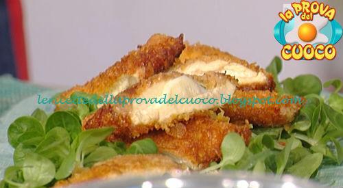 Cotolette di pollo con scamorza fresca e salsa alla curcuma ricetta Barzetti da Prova del Cuoco