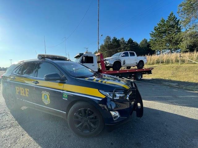 Após perseguição, PRF recupera caminhonete roubada no Paraná; assista