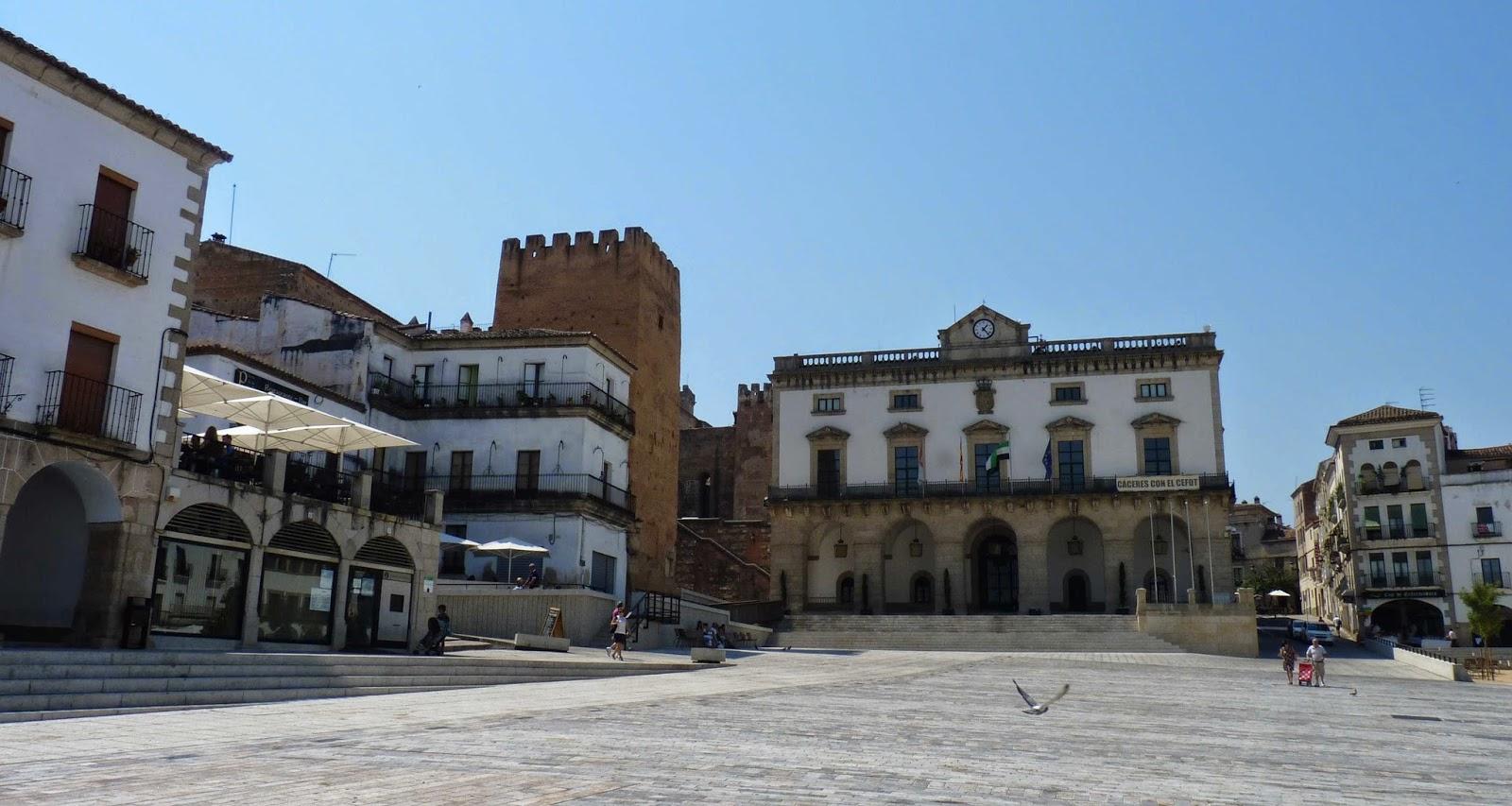 Ayuntamiento y Torre de la Yerba, Cáceres.