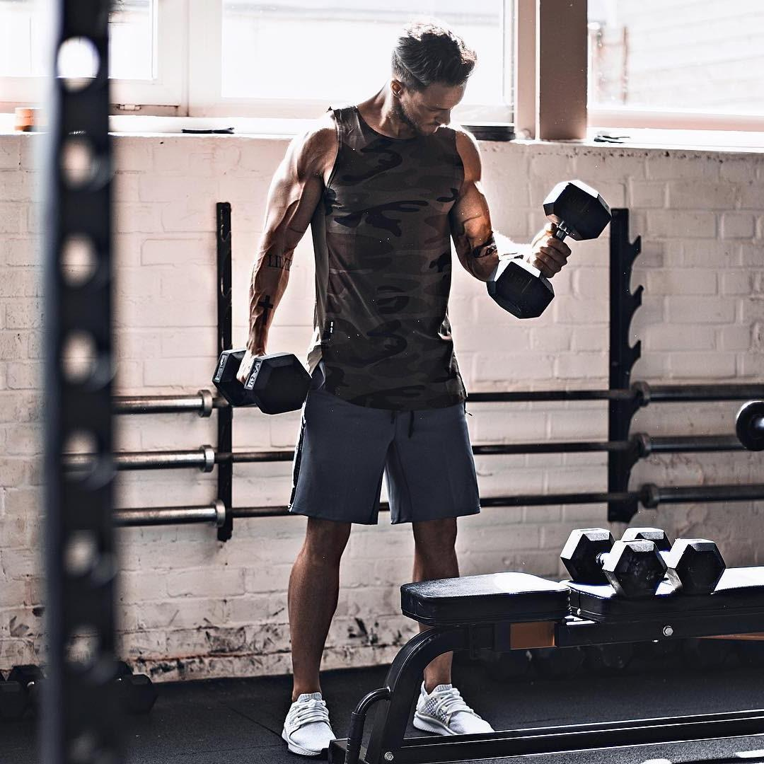 cool-dark-mysterious-rich-daddy-gym-weights-lifting-strong-veiny-arms