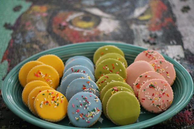 Simple easy cookie decorating ideas @ www.thecookiecouture.com