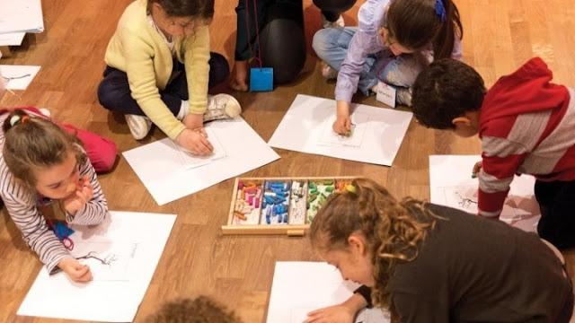 ΄Έρευνα: Τα παιδιά που γράφουν με το χέρι και όχι με το πληκτρολόγιο είναι εξυπνότερα