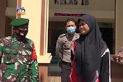 Seorang Pelajar Menangis Saat Terjaring Razia Masker