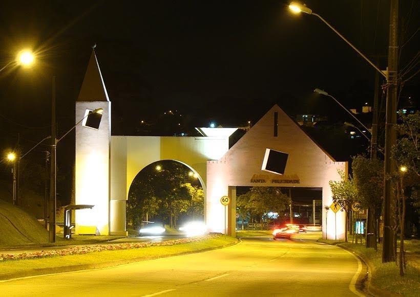Portal Santa Felicidade - Curitiba - Foto: Wikimedia Commons