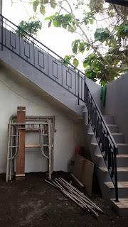 railling balkon dan tangga minimalis kotak