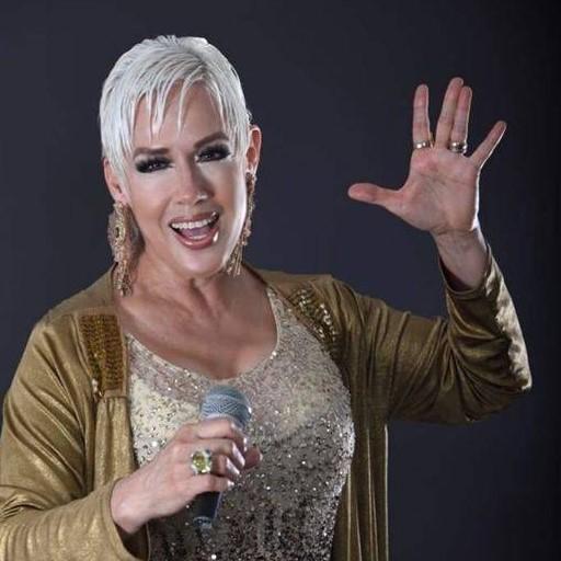 """""""En mis canciones pongo de manifiesto mi corazón y mi pasión"""", afirma la cantautora mexicana Hulda Duran"""