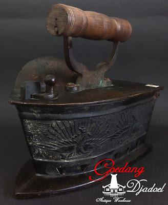 setrika antik