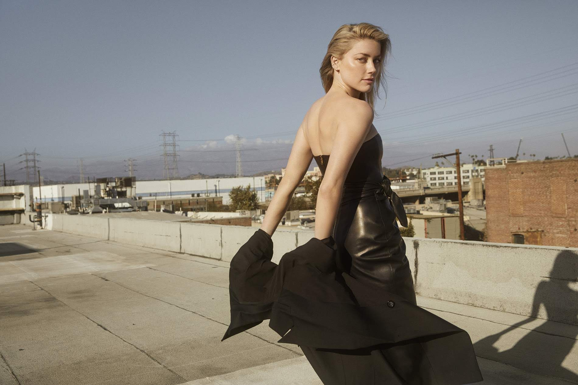 Amber Heard on Porter Edit : DCコミックスのヒーロー映画「アクアマン」の戦うヒロインのアンバー・ハードが、Edit マガジンに登場 ! !