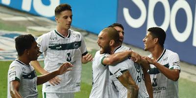 Bahia e Goiás fazem jogo franco na Arena Fonte Nova e ficam no 3 a 3 na abertura da 35ª rodada da Série A, ruim para os dois