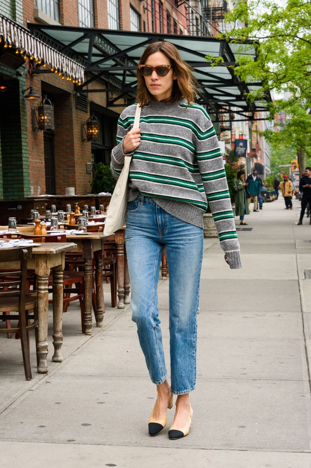 How To Wear A Striped Sweater – Alexa Chung Style