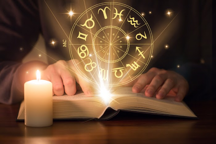 Top 10 Famous Astrologers In The World