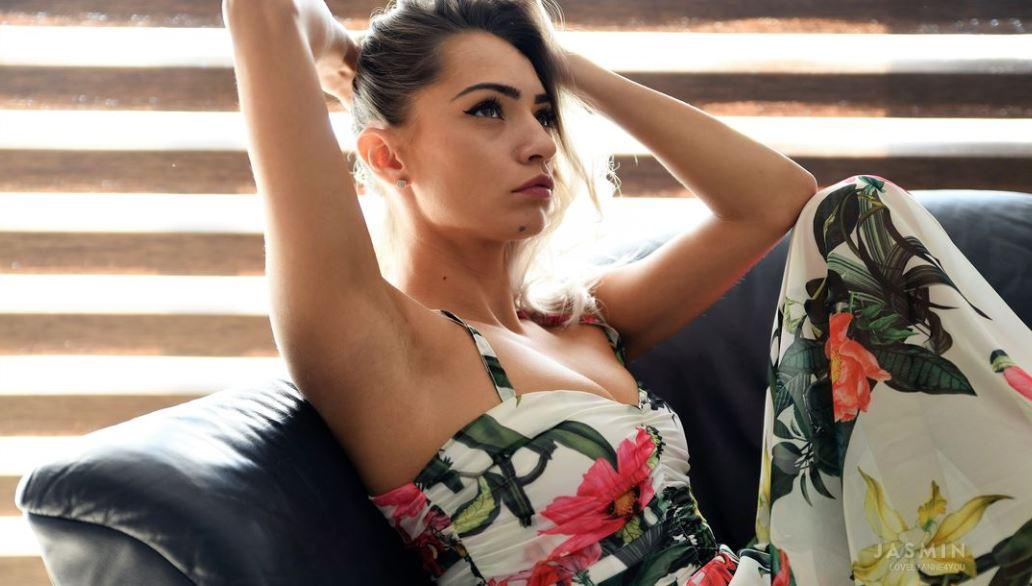 LovelyAnne4you Model GlamourCams