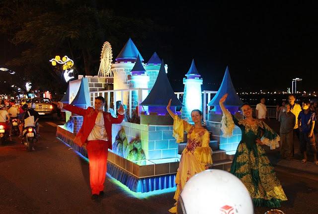 Kick off Vietnam's largest street festival 1