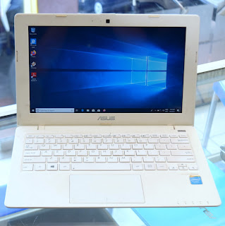 Jual Laptop ASUS X200M White (11.6-Inch) Second