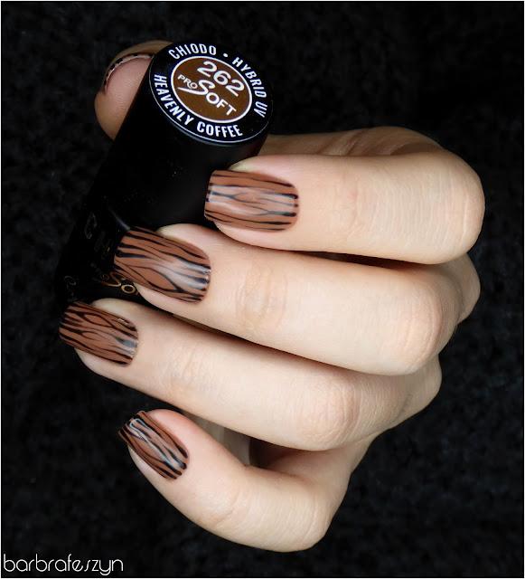 drewniane paznokcie