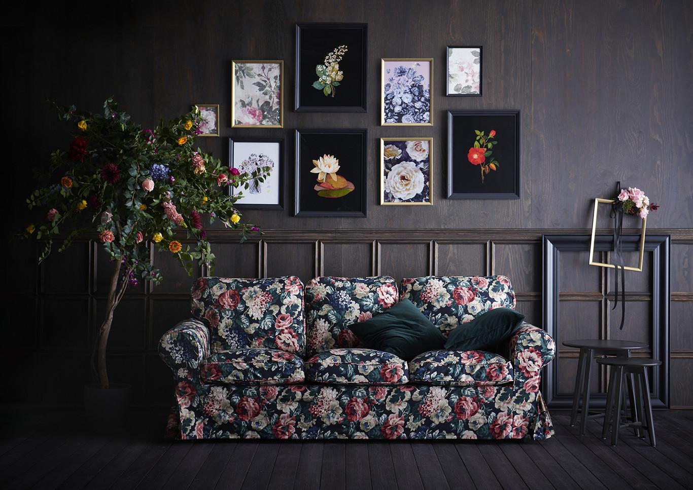 novedad catálogo ikea 2020 salón sofá estampado flores 3 plazas EKTORP