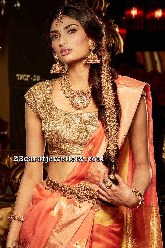 Athiya Shetty Complete Antique Bridal Set