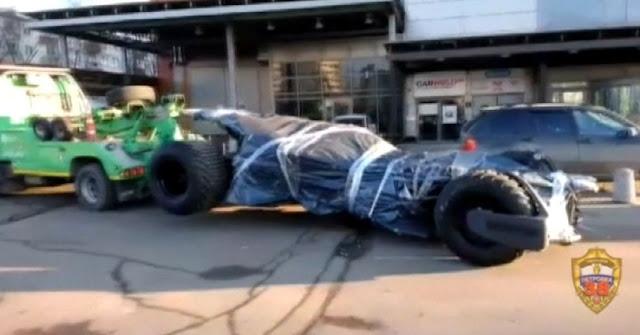 La polizia di Mosca sequestra 'l'auto di Batman'