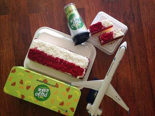 pisjo cake kendari oleh oleh kendari merah putih