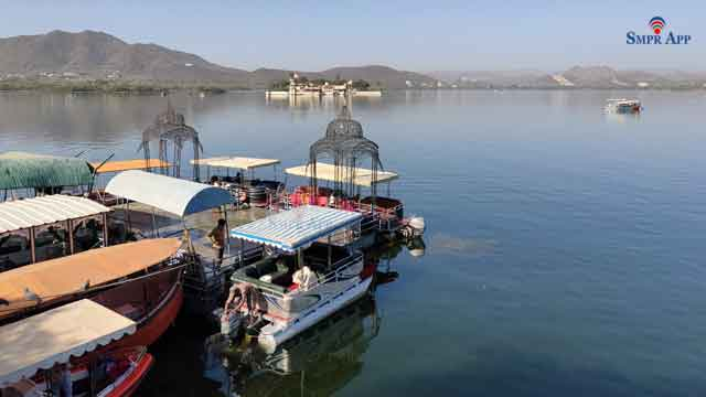 boating in lake pichhola udaipur