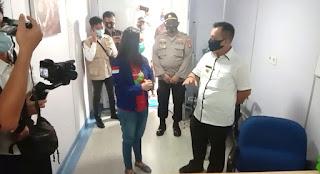 Plt Bupati Lingga kunjungi rumah sakit Apung (RSA) Nusa Waluya ll Dr.Lee di kecamatan senayang