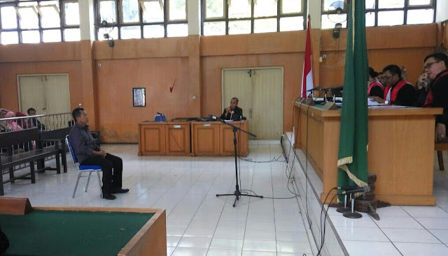 Hasanuddin DivonisSetahun Dua Bulan
